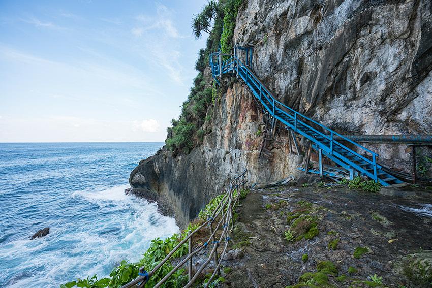 Cliffside Blue Staircase Nusa Penida, Bali